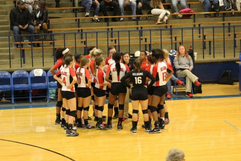 Volleyball season comes to an end for the Lady Bulldogs