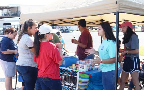 FHLA new officers volunteer at SAFFE Day