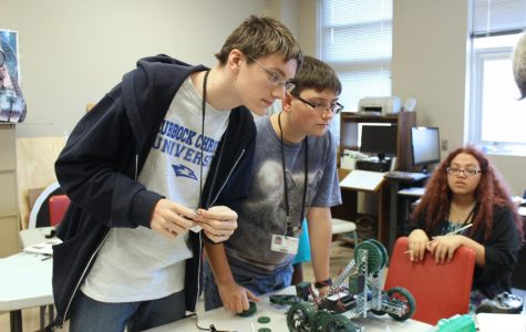 Robotics class prepares for BEST competition