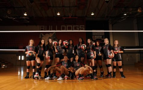 Varsity volleyball team advances into playoffs