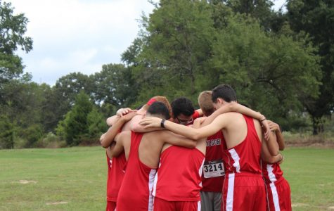 Cross Country prepares for district meet tomorrow