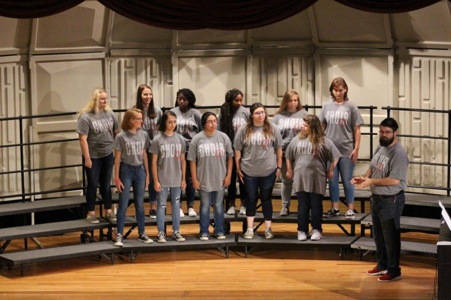 The+treble+choir+prepares+to+sing+their+hearts+out.+
