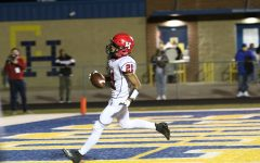 Senior Mr. Texas Football player of the week nominee Tray Epps runs the ball into the end zone for one of his 6 touch downs.