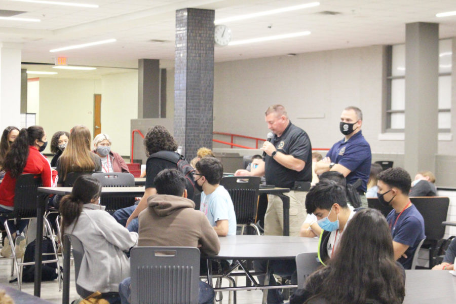 Lieutenant Eddie Hope explains to students how he used forensic science to solve the Lavender Doe case.